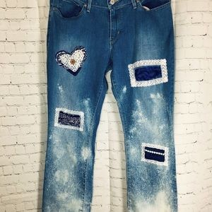 🌻 Patchwork Style Bleached Curvy Levi Jeans 🌻
